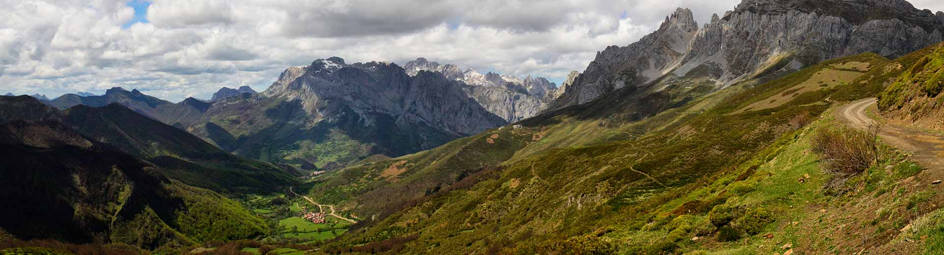 Situación y accesos. Valle de Valdeón